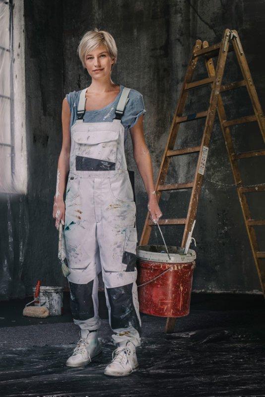 media/image/Damen-Workwear-hochformat_01.jpg